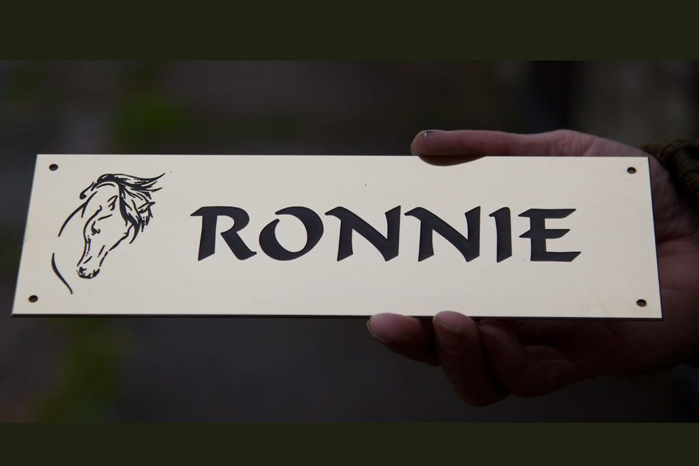 1.5mm Engraved Brass Horse Name Plate