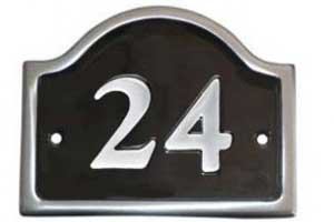 PA9 - Bridge Top Cast Aluminium House Number - Polished - 14 x 11.5cm