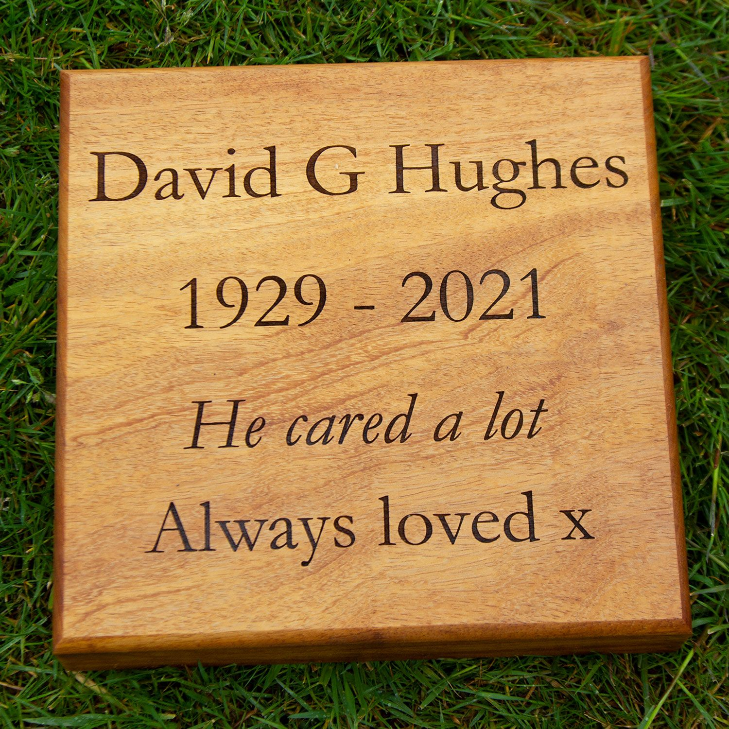 Wooden Tablet / Wooden Lawn Memorial